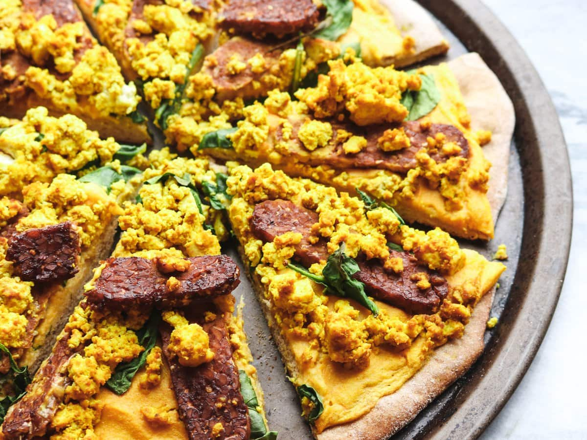 Cheezy Vegan Breakfast Pizza with Smoky Tempeh Bacon