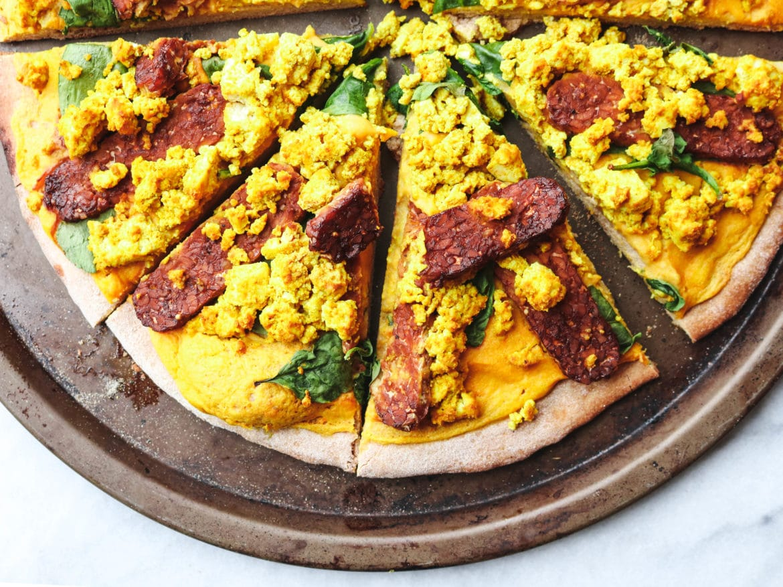 Cheezy Vegan Breakfast Pizza with Smoky Tempeh Bacon