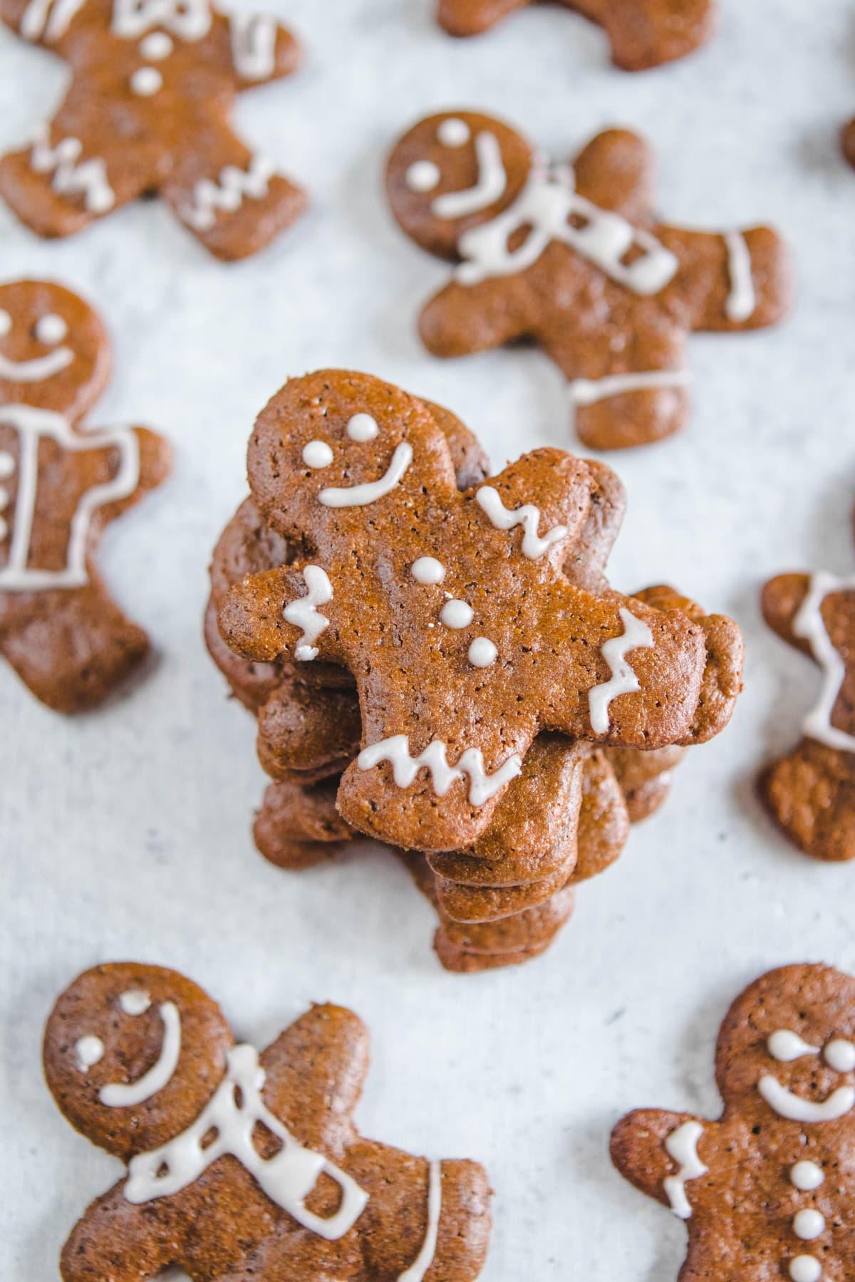 Crunchy Vegan Gingerbread Cookies
