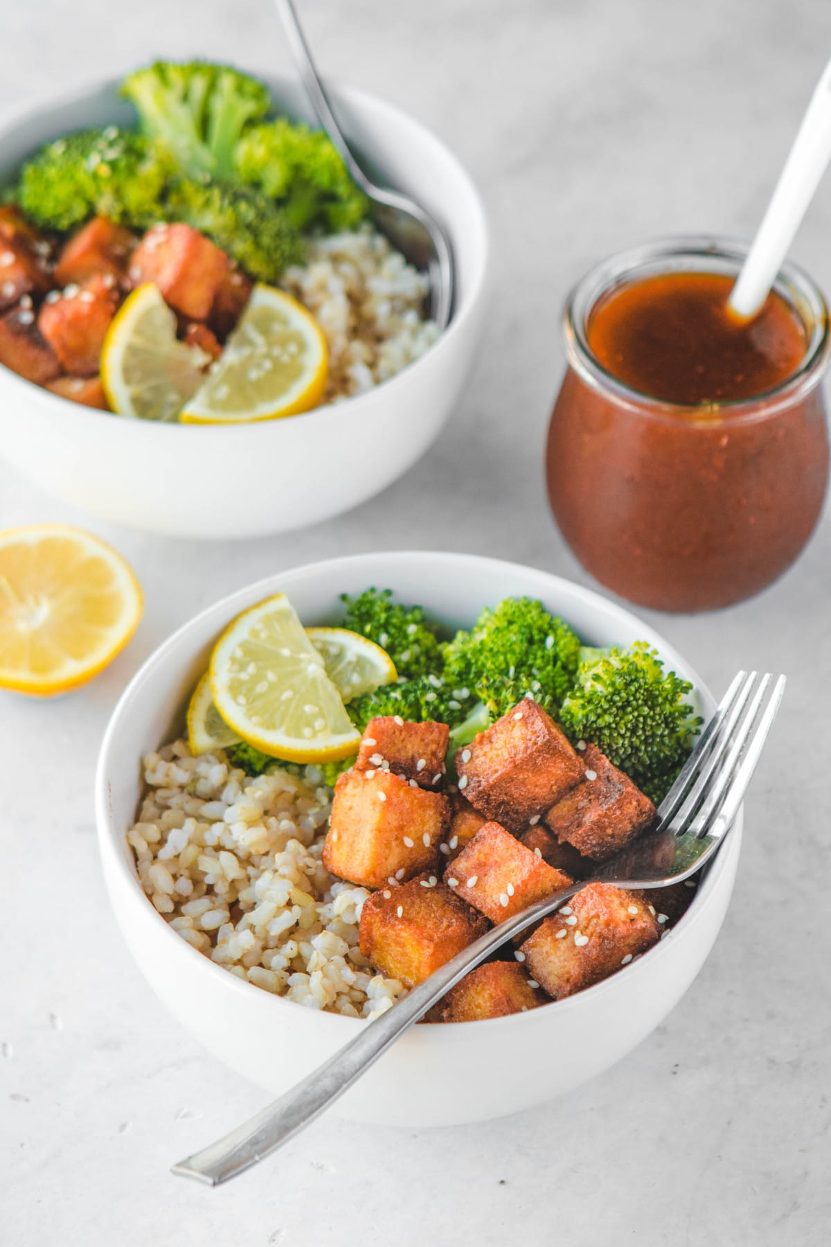 orange tofu bowls with orange sauce