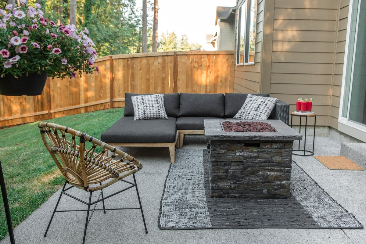 outdoor patio with article furniture