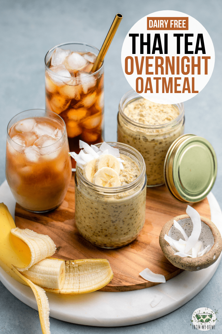 The popular iced beverage takes a fun twist with these Thai Tea Overnight Oats! Creamy Oats combine with brewed black tea and spices for a yummy breakfast. #thaitea #overnightoats #dairyfree #plantbased | frommybowl.com