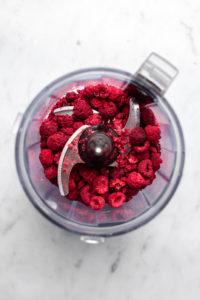 freeze dried raspberries in food processor before blending